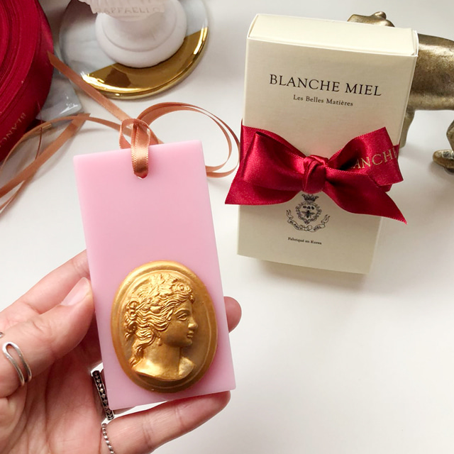 gold cameo wax tablet - spring pink