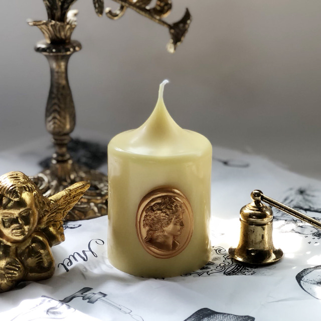 gold cameo pillar candle - spring yellow (s)